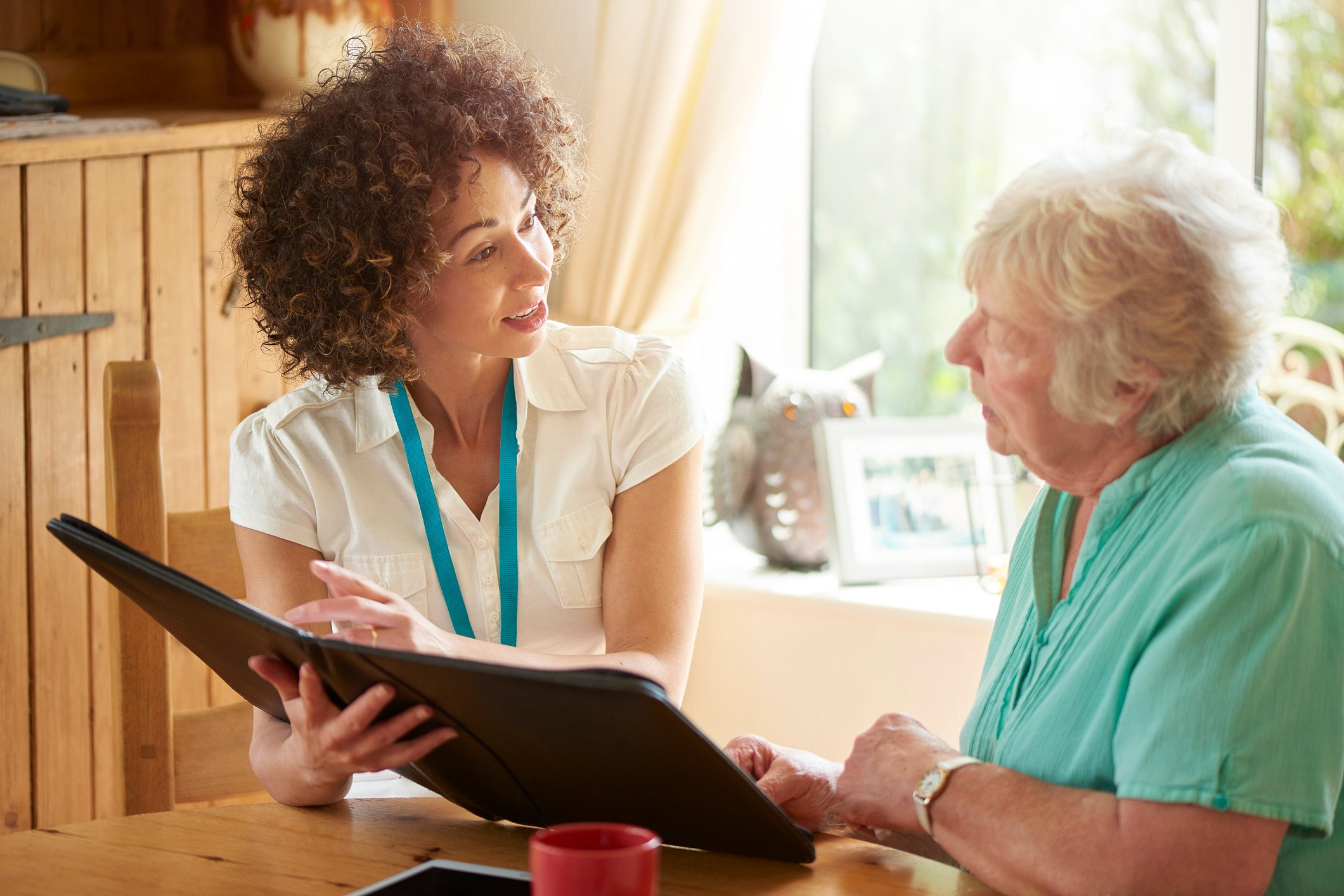 How to Work with Staff to Make the Move to Assisted Living Stress-free
