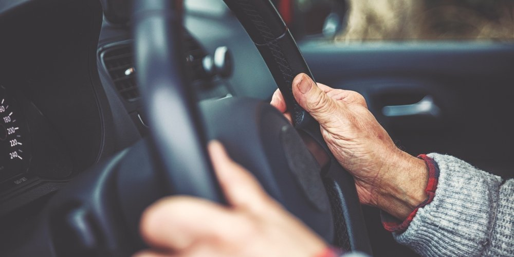 20 Warning Signs Your Mom Should Stop Driving