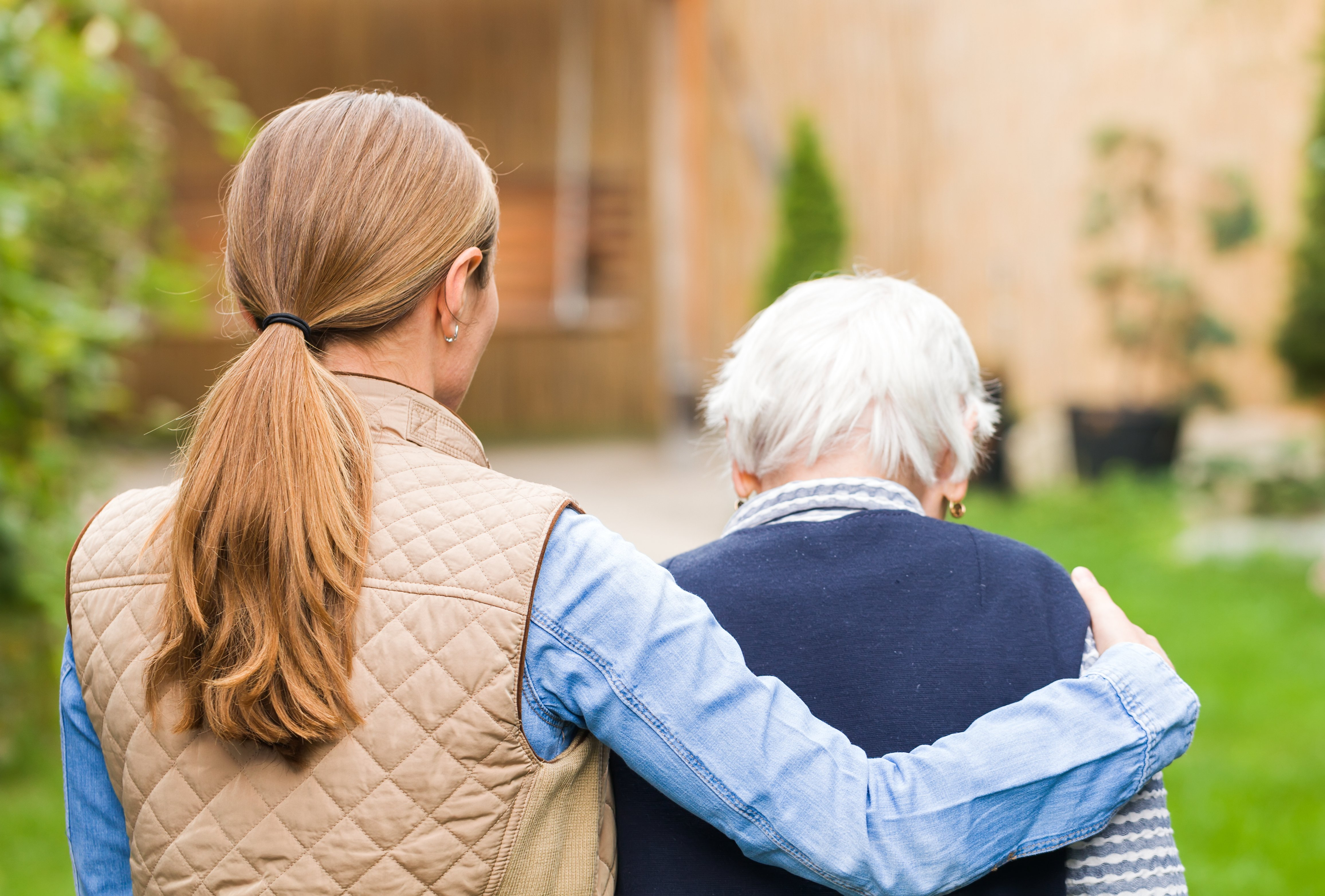 5 Ways for Long-distance Caregivers to Help from Afar