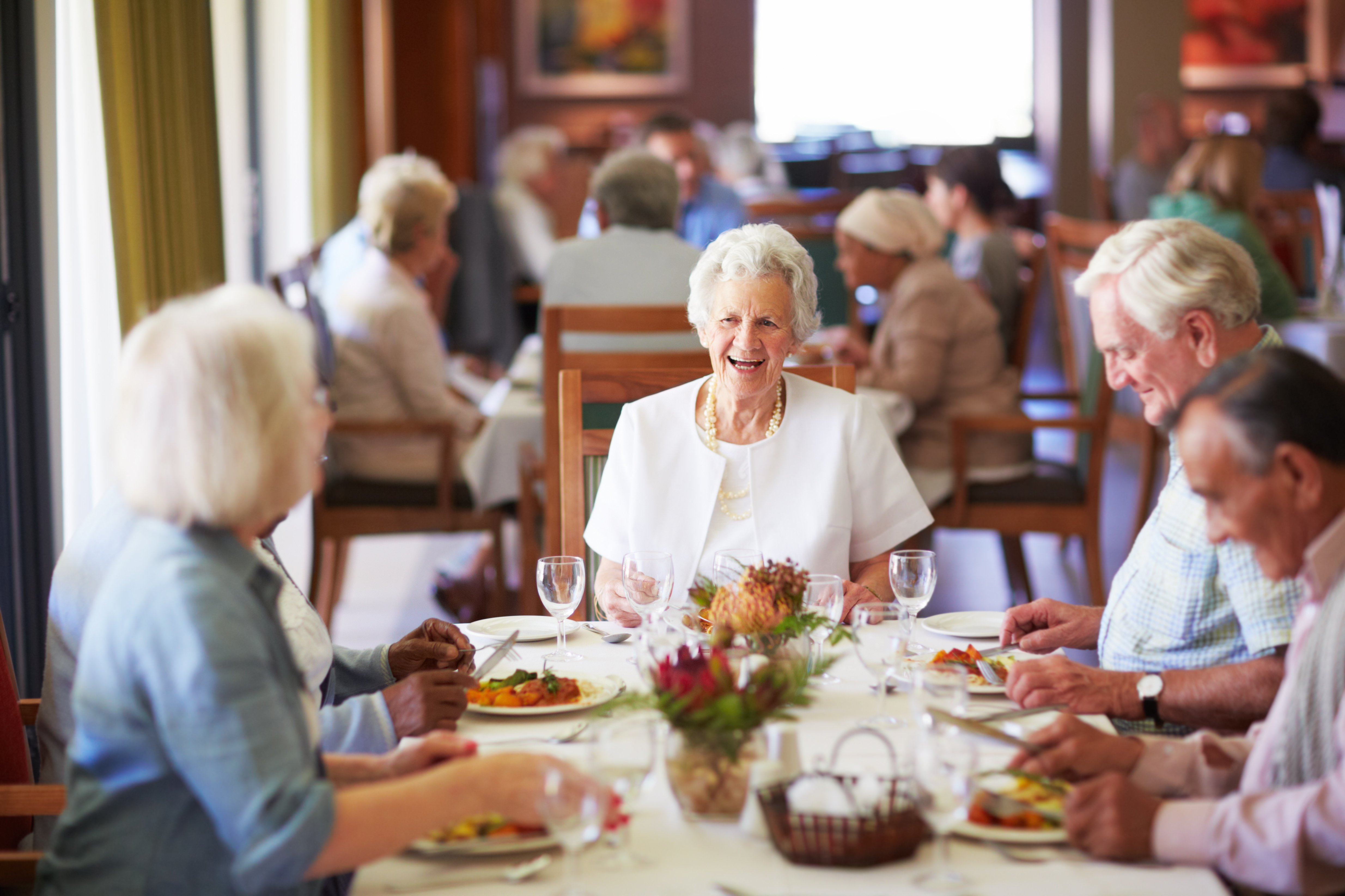 Why Eating Together Is Better for Seniors